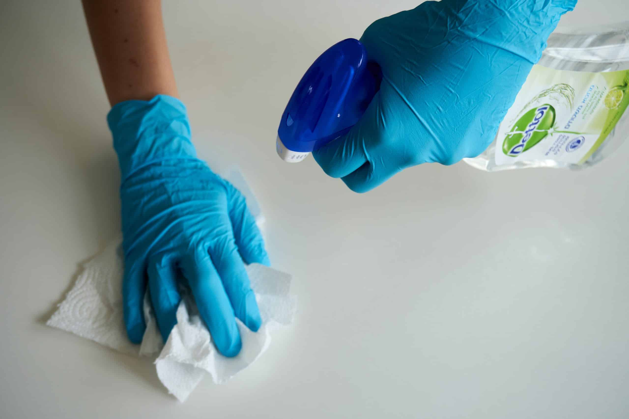 Disinfecting surface with antibacterial spray